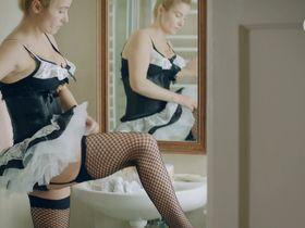 Joanna Brodzik sexy - Nie rob scen s01e03 (2015)