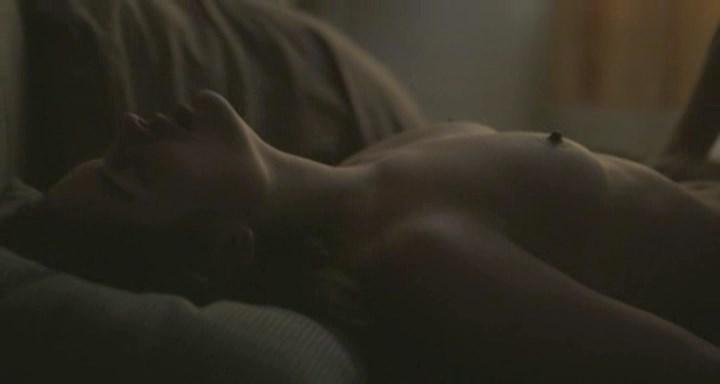 Louise Grinberg nude - La priere (2018)