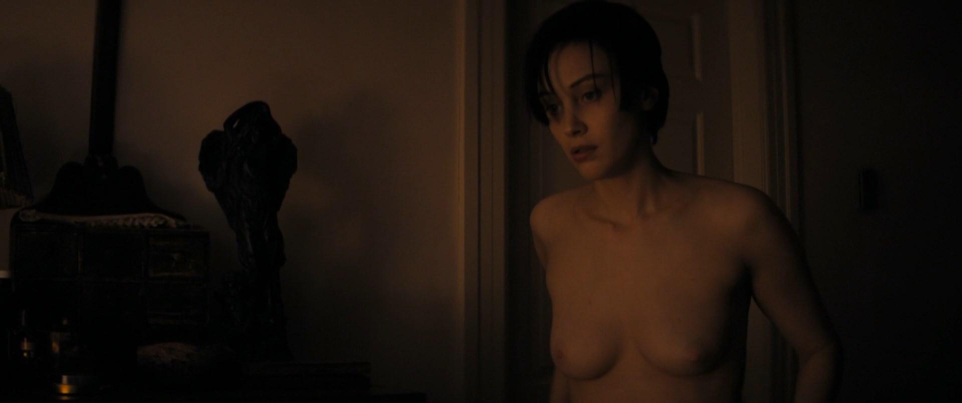 Sarah gadon naked
