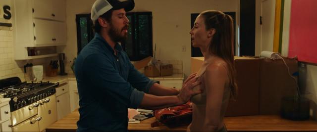 Whitney Cummings sexy - The Female Brain (2017)