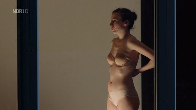 Nue De Rosemarie Topless Oops Imperio Assoass 1