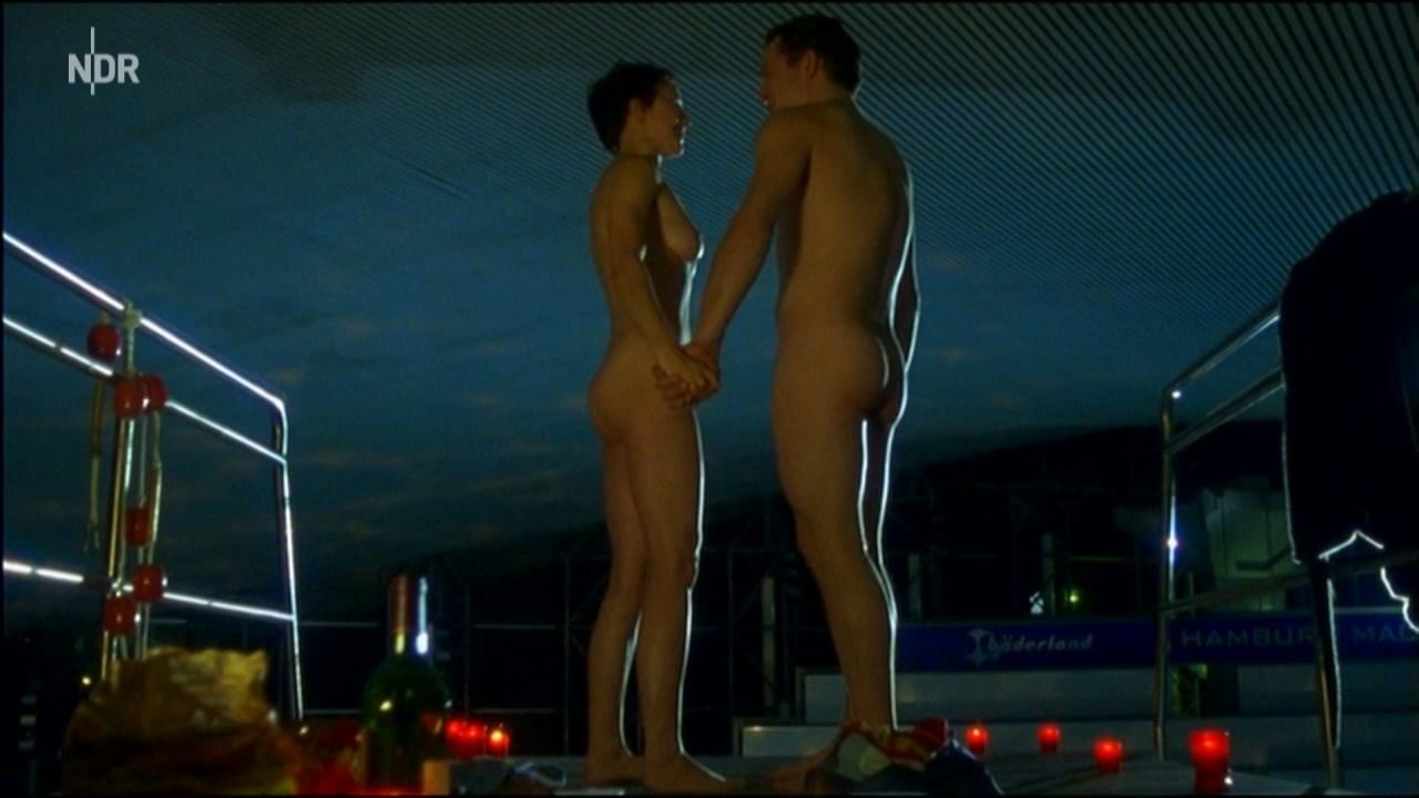 Manja Doering nude - Großstadtrevier s19e12 (2005)