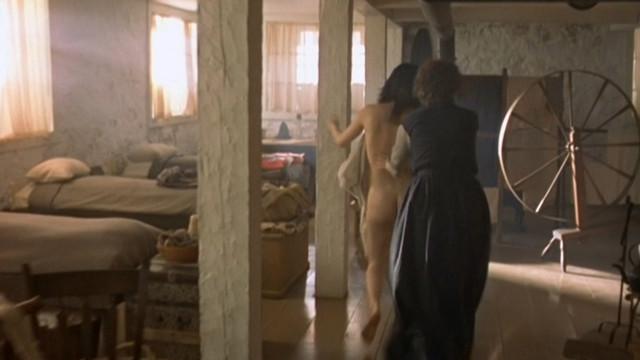 Caroline Dhavernas nude - Edge of Madness (2002)