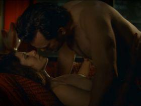 Marisa Tomei nude - Factotum (2005)