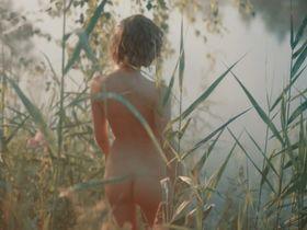 Aglaya Tarasova nude - Tanki (2018)