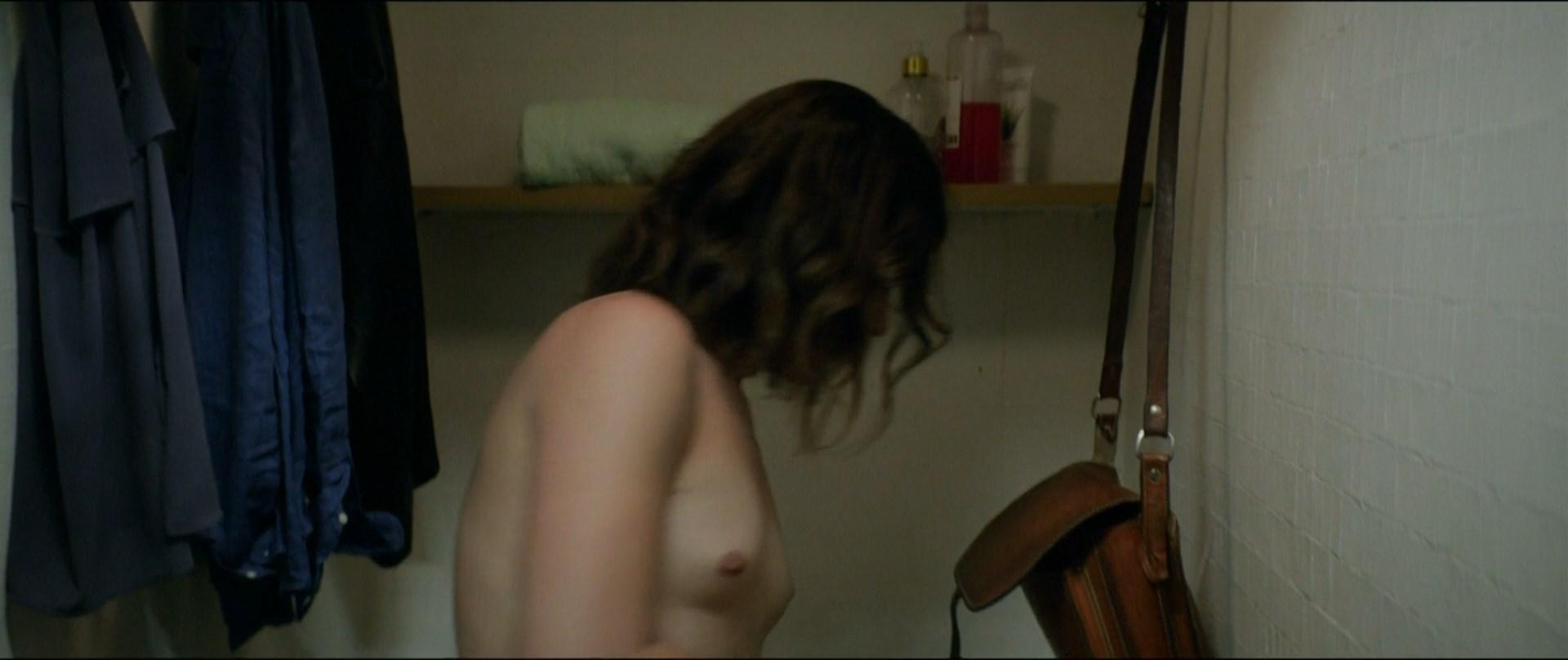 Daniela Vega  nackt