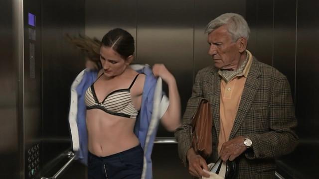 Lisa Maria Barenbold sexy - Junge Talente. Junior-Suite (2012)