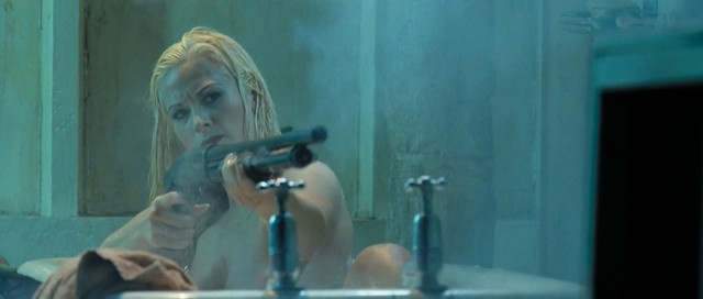 Lily Anderson nude - Doomsday (2008)