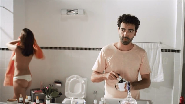 Babi Fernandes nude - Espelho (2013)