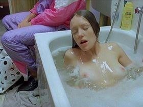 Lavinia Wilson nude - Schussangst (2003)