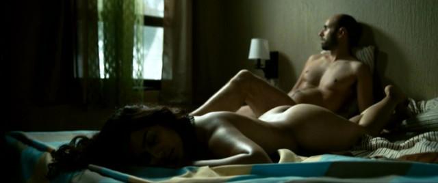 Adriana Paz nude - Las horas muertas (2013)