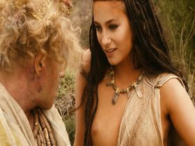 Melanie Bernier nude - Sa majeste Minor (2007)