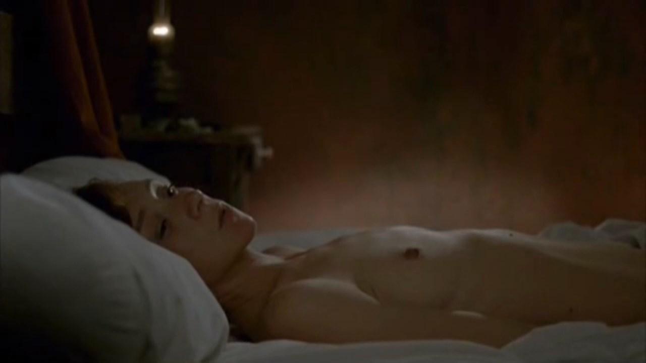 Sylvie Testud nude - La France (2007)