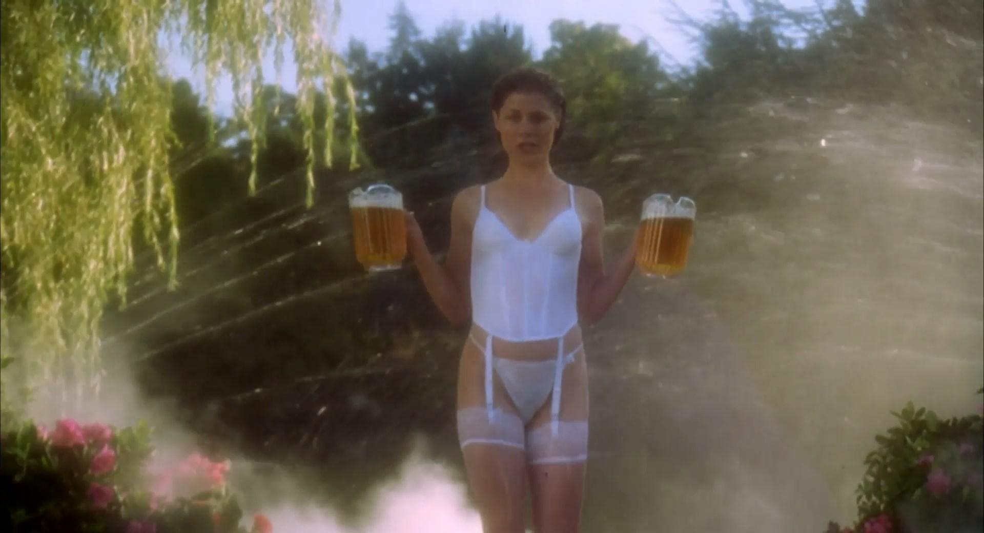 nude video celebs julie bowen sexy happy gilmore