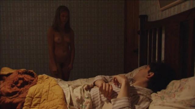 Capucine Delaby nude - Un souvenir (2008)