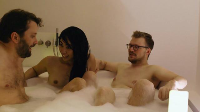 Le-Thanh Ho nude - Jerks s02e03 (2018)