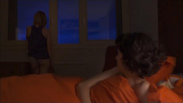 Juliette Poissonnier nude - Histoire belge (2012)