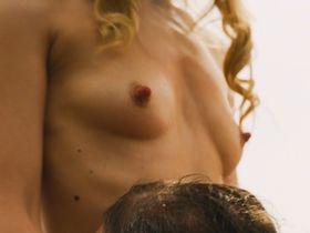 Julia Dietze nude - 5 Frauen (2016)