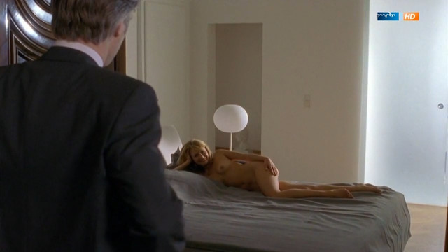 Julia Thurnau nude - Liebe, Lugen, Leidenschaften e01-06 (2001)