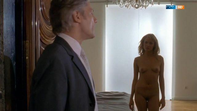 julia thurnau nackt