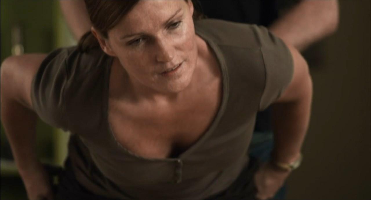 Ophelie Koering sexy - La Culbute (2011)