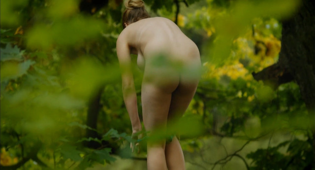 Kristyna Bokova nude - Martin a Venuse (2012)