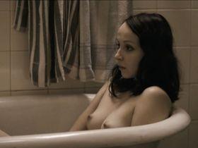 Jana Plodkova nude - Protektor (2009)