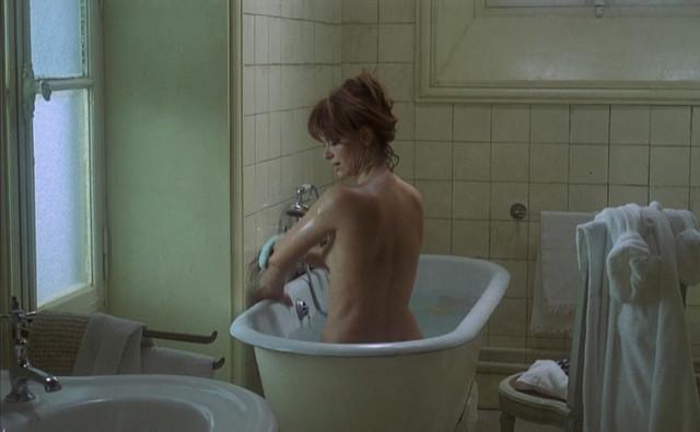 Lea Massari nude - Le souffle au coeur (1971)