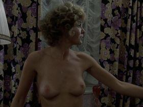 Gila von Weitershausen nude - Le souffle au coeur (1971)