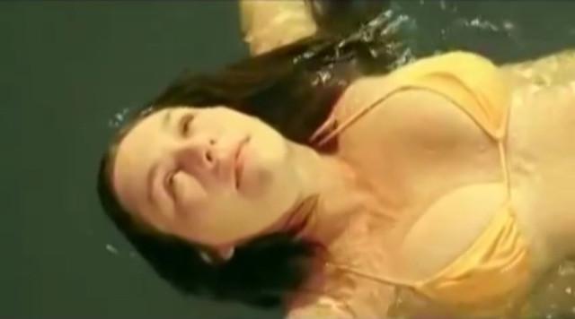 Marie Gili-Pierre nude - La mer a boire (2001)