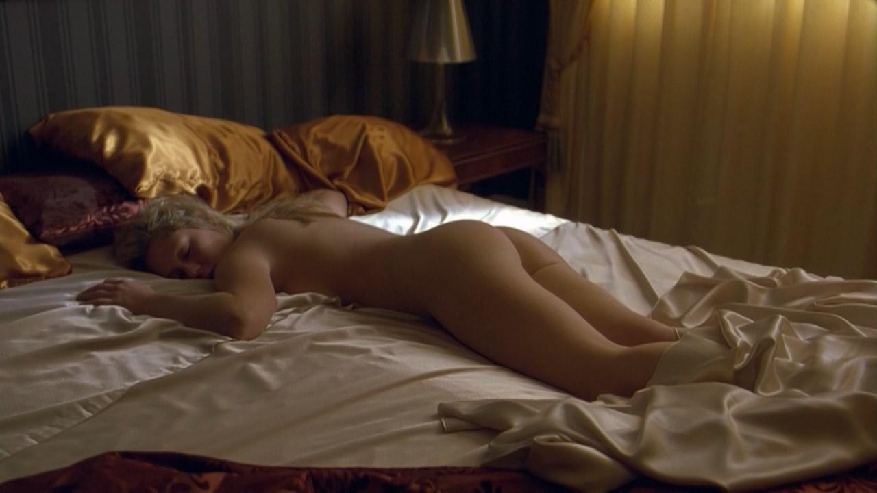Agnieszka Grochowska nude - Upperdog (2009)
