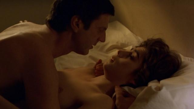 Liza Walker nude - Mauvaise passe (1999)