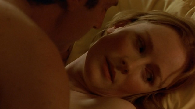 Claire Skinner nude - Mauvaise passe (1999)