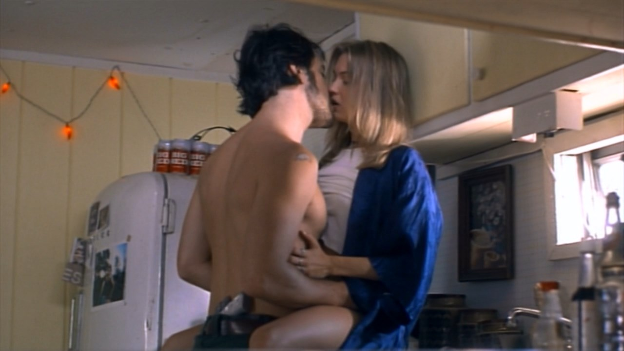 Renee Zellweger Sexy Love And A 45 1994