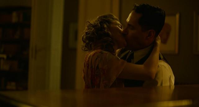Sienna Miller sexy - The Catcher Was a Spy (2018)