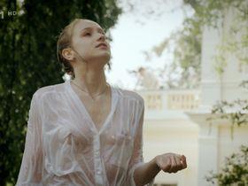 Anna Kaderavkova nude - Skoda lasky s01e09 (2013)