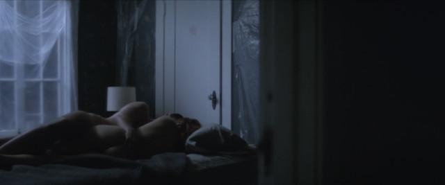 Ahna O'Reilly nude - Sleepwalker (2017)