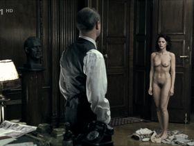 Klara Issova nude - Operace Silver A (2007)