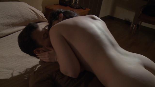 Sarah Hunter nude - Sleeping Beauties (2017)