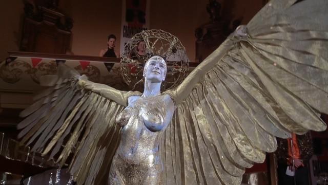 Rachel Griffiths nude - Blow Dry (2001)