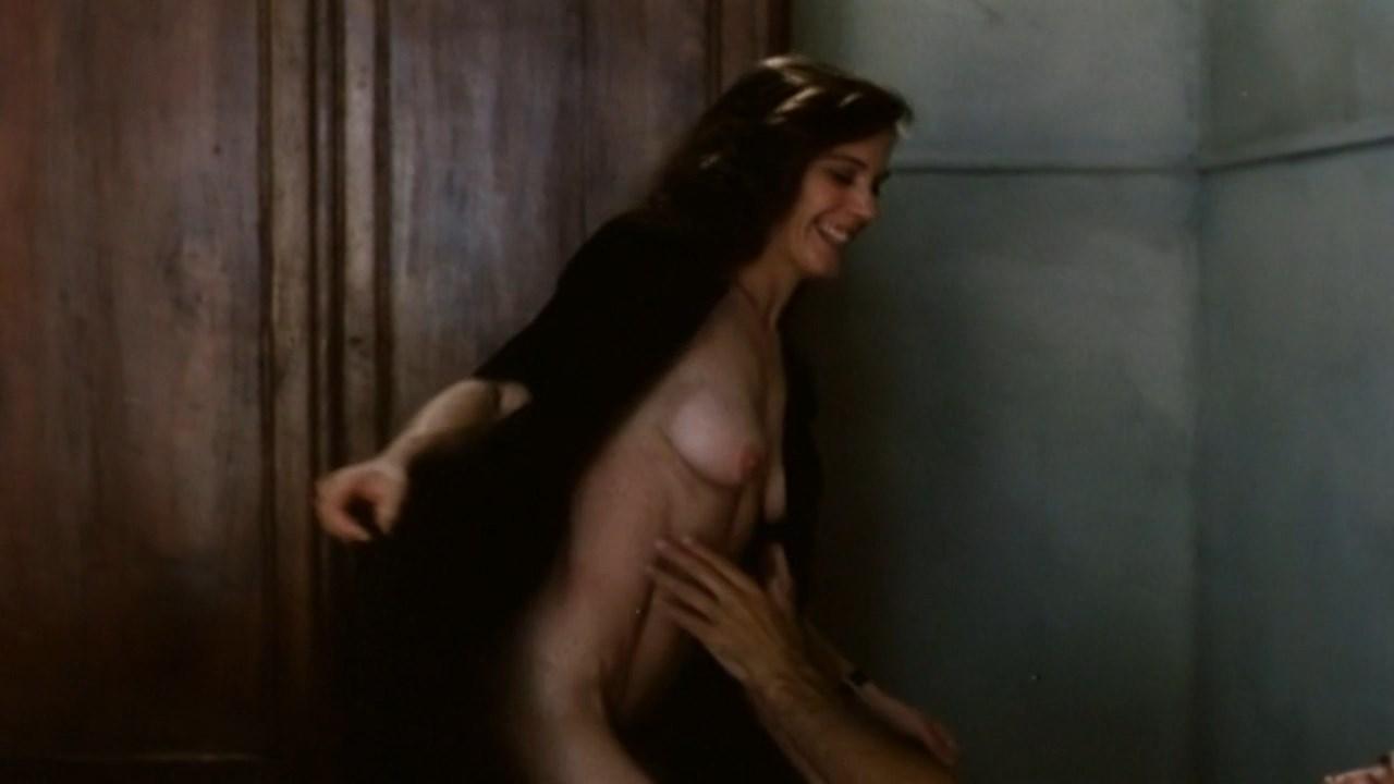 Teresa Madruga nude - In the White City (1983)