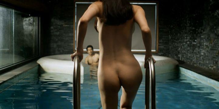 Super sexy female ass nude