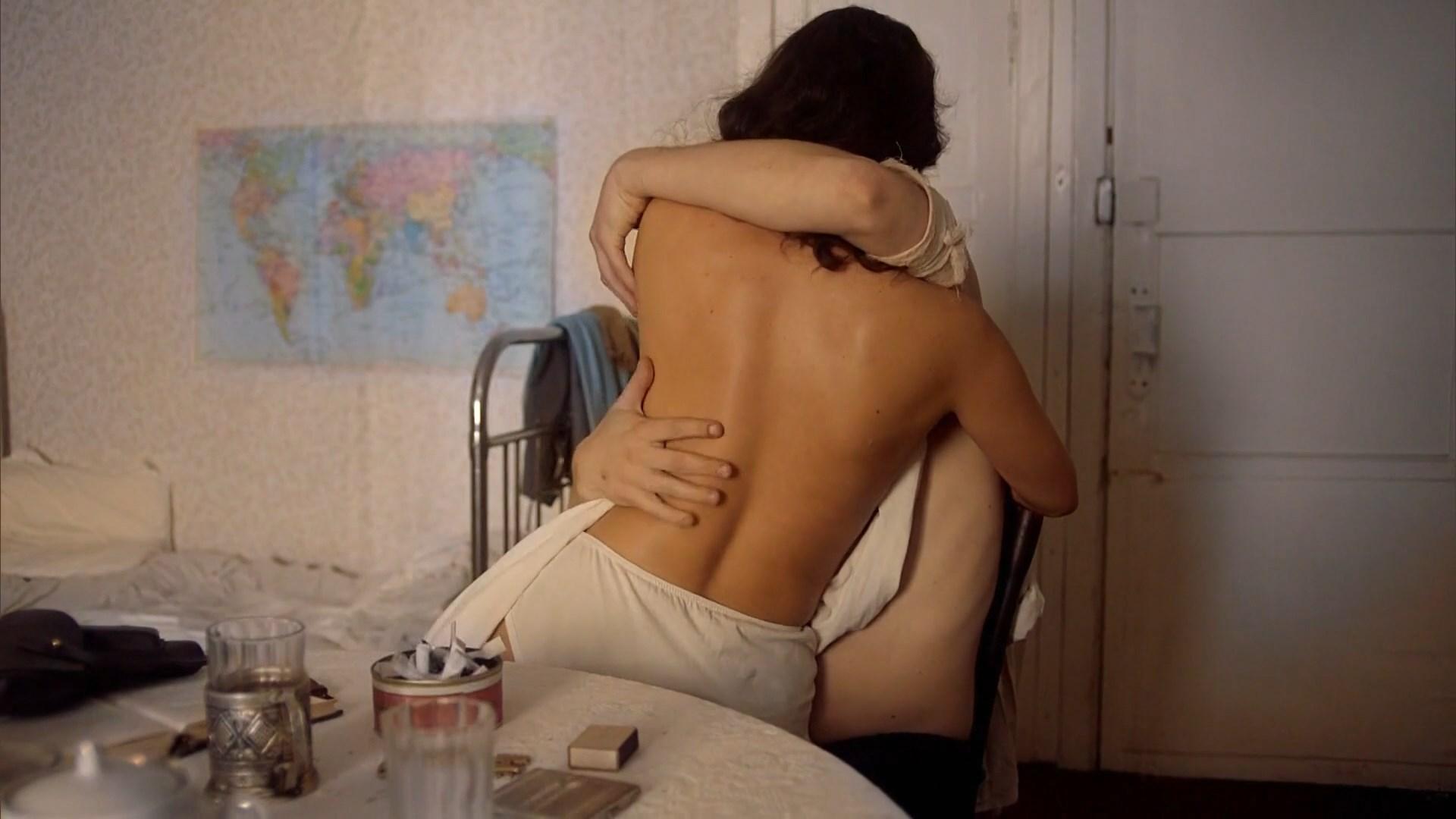 Yana Gladkih sexy - Otlichnica s01e07 (2017)