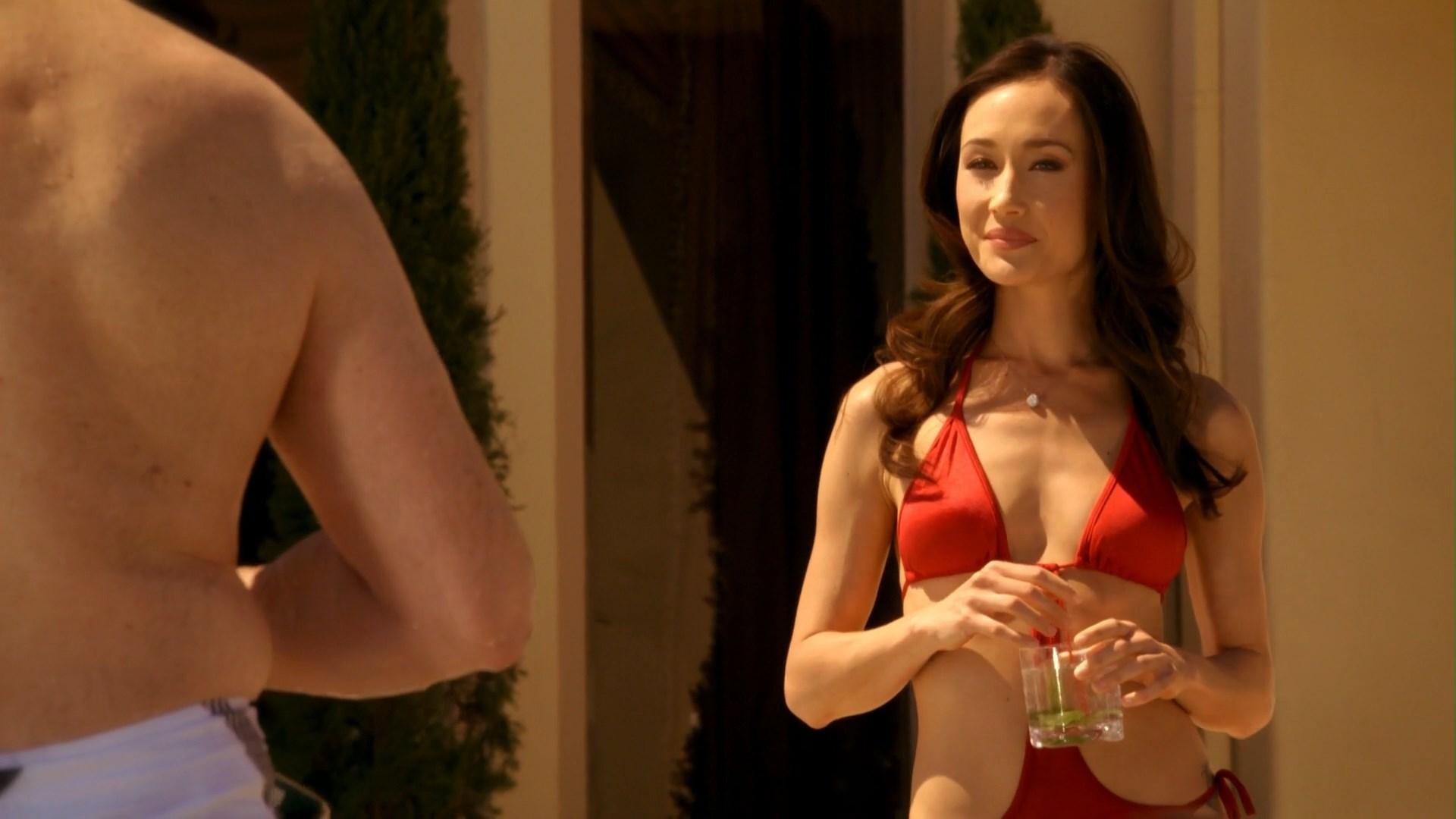 Maggie Q sexy - Nikita s01e01 (2010)
