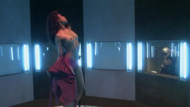 Sara Martins nude - Pigalle La Nuit s01 (2009)