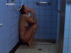 Sylvia Haider nude - Doppelter Einsatz s04e03 (1997)