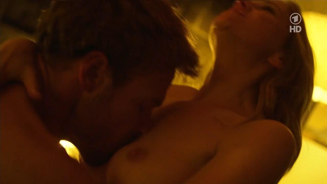 Stefanie Stappenbeck nude - Ohne Dich (2014)