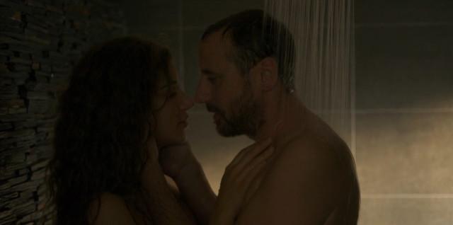 Manon Azem sexy - La Mante s01e01 (2017)