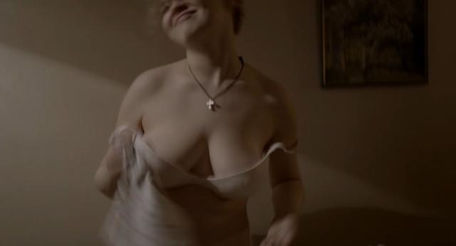 Nadezhda Ivanova sexy - Blizkie (2017)