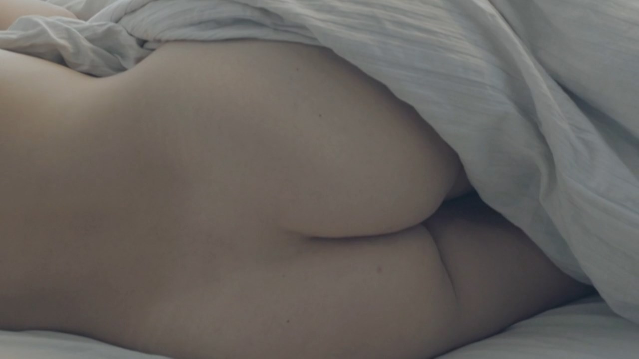 Mette Alvang nude - Den sidste pige (2015)